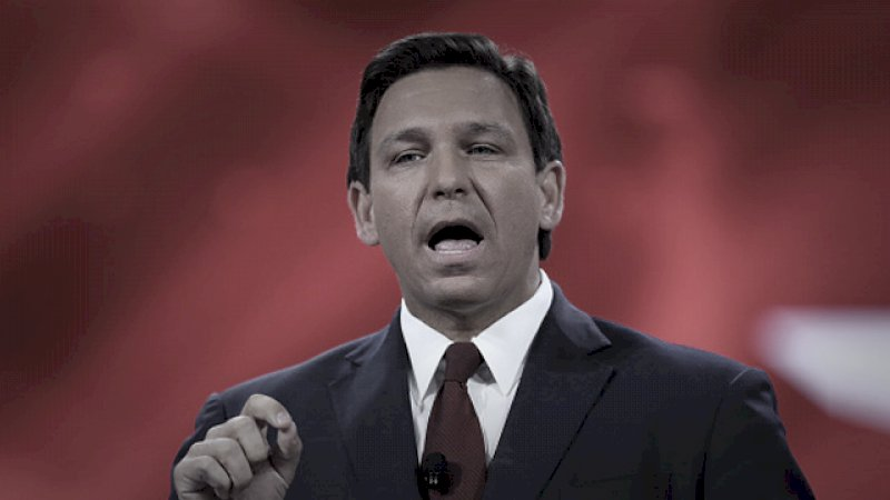 emotional-governor-desantis-pays-tribute-to-rush-at-cpac